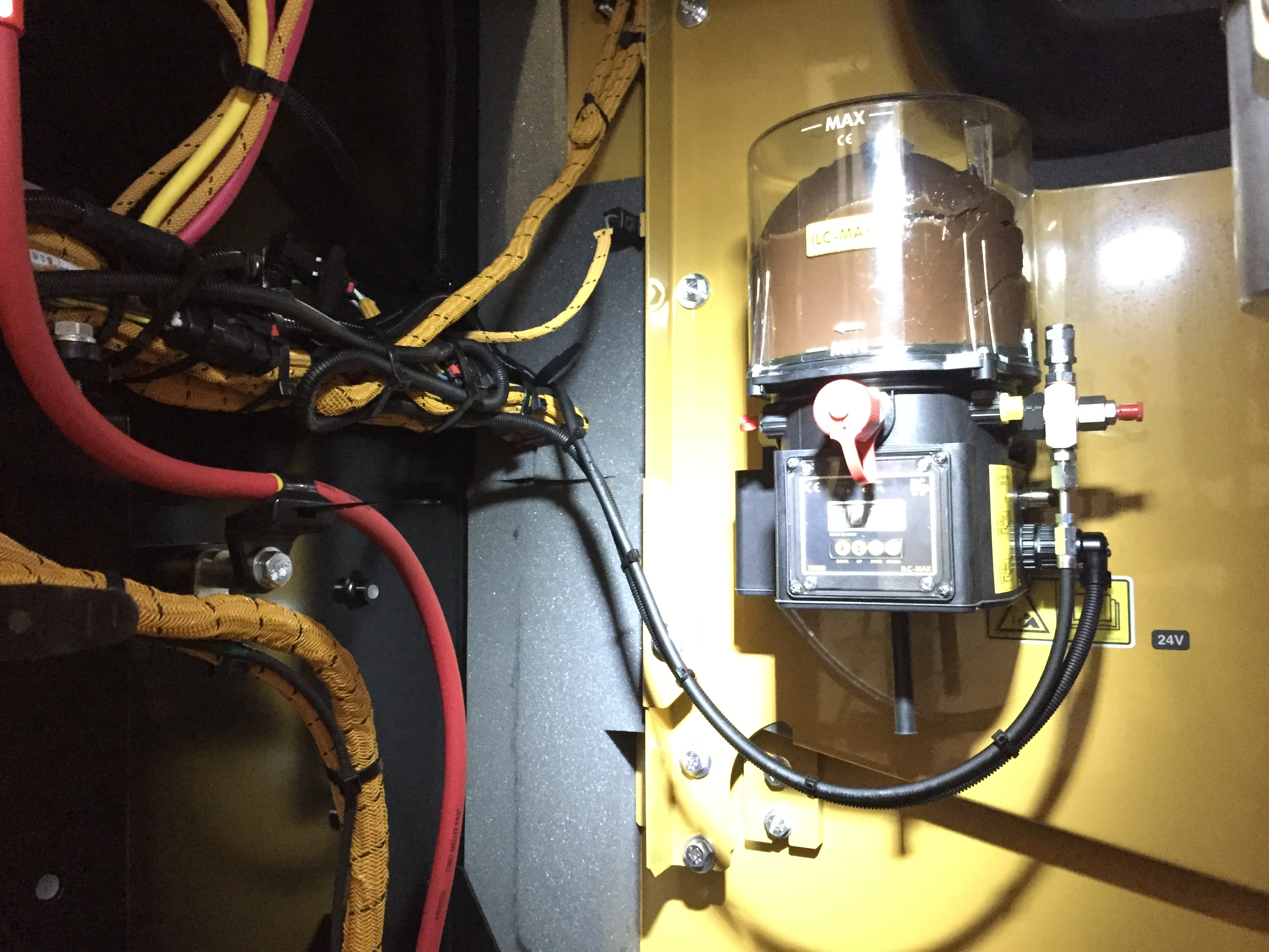 Caterpillar Auto Grease System
